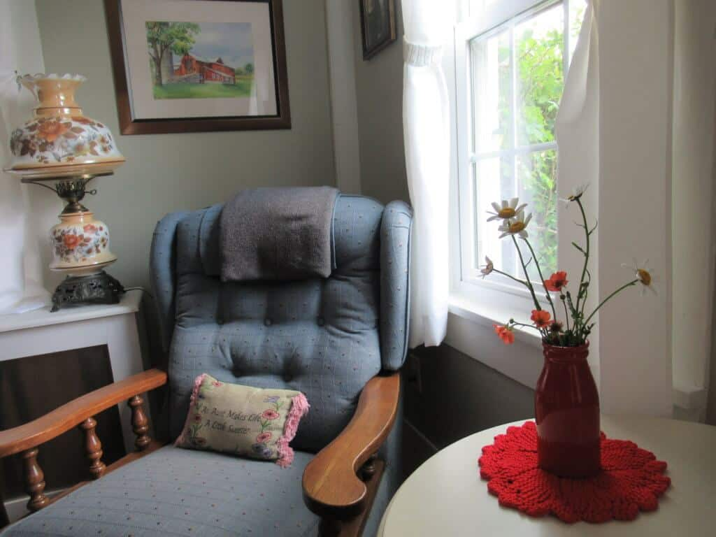 Living room with flowers