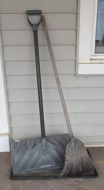shovel_and_broom