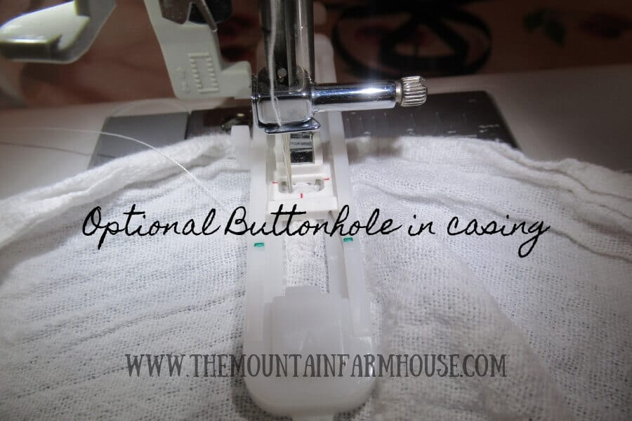 Optional buttonhole in bag casing